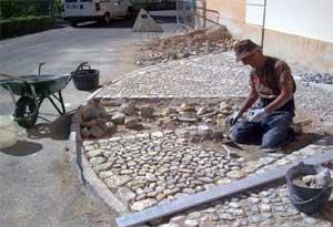 Tourrettes sur loup for Jardiniere en pierre seche