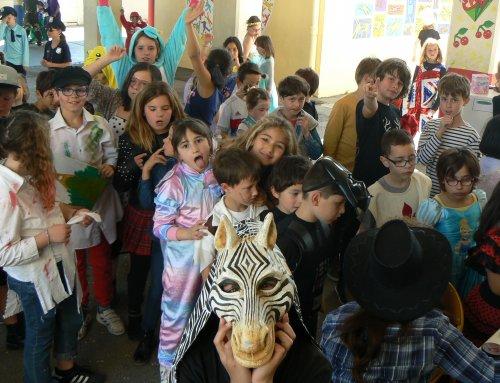 L'école primaire fait son carnaval